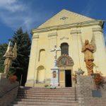 13_A máriakéméndi kegytemplom a restaurált Zsolnay angyalokkal